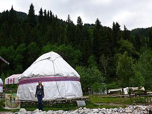 nina-nomad-tent-by-the-road-to-big-almaty-lake